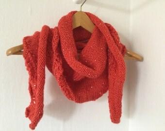 Scalloped border shawl
