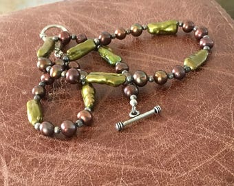 Chartreuse and coffee cultured pearl necklace