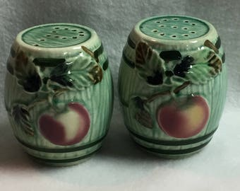 Salt and Pepper - Large Apple Barrels (#025)
