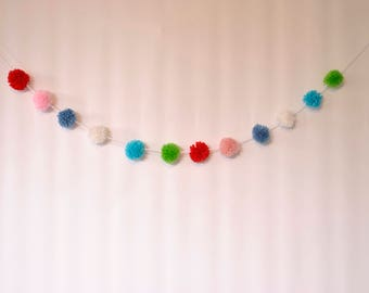 Mini pompom garland, multi-colour yarn pom pom garland , pom pom banner, nursery decor, boho decor, baby bedroom decor, showergift