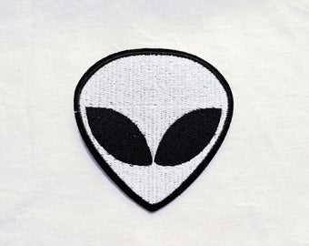 1x large white alien head PATCH - Roswell Nasa Bizarre Space - Iron On Embroidered Applique