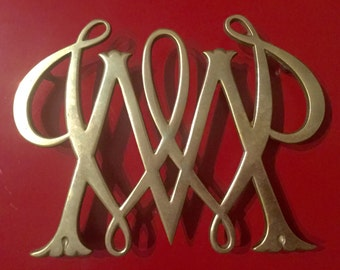 Virginia Metalcrafters William and Mary Brass Trivet 1950 Williamsburg