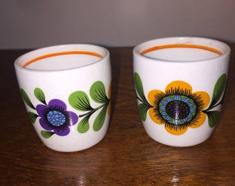 Egg cups - Pair of Mid Century Ceramic Egg Cups (England)