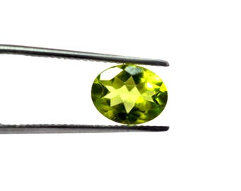 AAA Quality Natural PERIDOT OVAL Faceted 6 x 8 mm , Loose Faceted Gemstone Finest Polish And Cut / 10pcs.