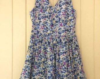 Vintage look floral dress
