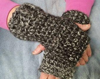 Warm fingerless gloves