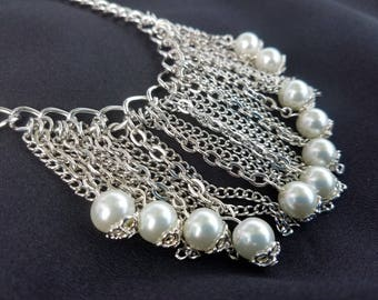 Faux Pearl and Chain Dangle Statement Necklace