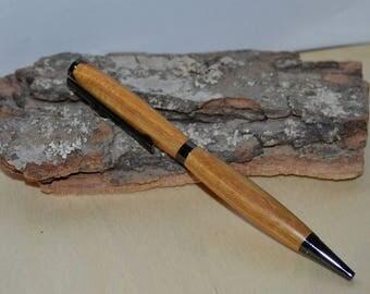 "In ""Canarywood"" slimline pen"