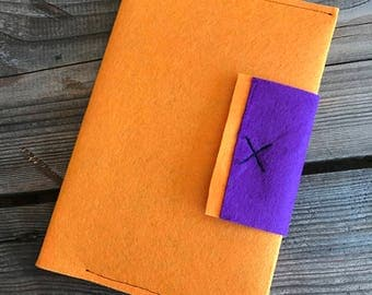 Book felt colors with clasp