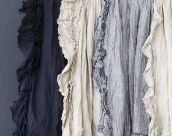 Isle Linen Ruffled Reversible Throw with White Silk Cotton
