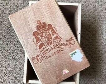 Vintage La Perla Habana Slide Top Wooden Cigar Box Nicaragua