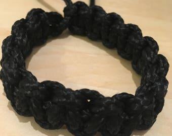Paracord bracelet, black, buckle-free