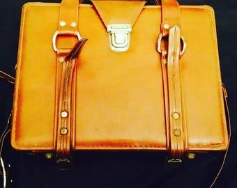 Vintage Retro Tan Bag Carry Case
