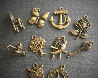 10 x Bronze Charms Zinc Alloy Pendants