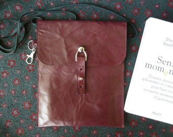 Handbag books or ride cowhide leather clutch Burgundy life slightly wrinkled, flap and button closure