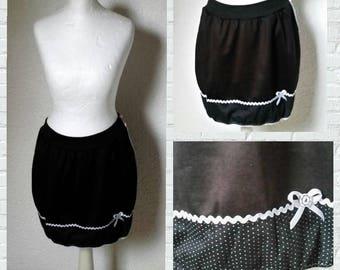 Balloon skirt black white points