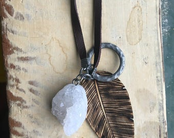 Wooden feather and Pendant Calm necklace