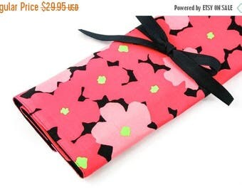Sale Large Knitting Needle Case Organizer - Red Poppy - 30 black pockets for straight, circular, double point needles or paint brushes