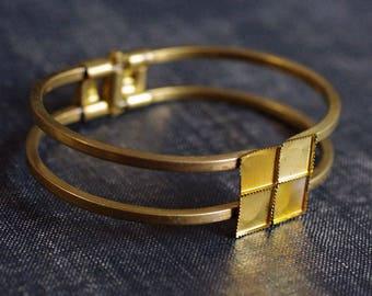 8mm Square Setting Cuff Blanks - 1pcs, Raw Brass Cuff Bracelet, Square Cabochon Bracelet Blank, Hinge Cuff Spring Closure Brass Bracelet