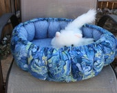 Cat Bed, Round Pet Bed, Blue Pet Bed, Small Dog Bed, Fabric Cat Bed, Washable Pet Bed, Indoor Pet Bed, Luxury Pet Bed, Handmade Cat Bed