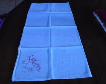 Tea towel, kitchen, dishes, machine embroidery, dish drying, dish towel, kitchen linens. kitchen towels,