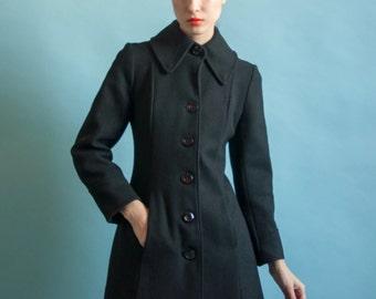 black fitted princess coat / vintage pleated coattail coat / wool dress coat / xs / 2060o / R4