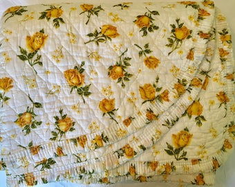 Yellow Rose Quilt - Twin Full - Yellow Rose Bedcover - Soft Cotton Blanket - Vintage Roses