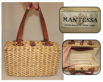 Vintage Beige Wicker Woven Basket Purse Handbag with Leather Straps by Mantessa , 60s, Handmade in Hong Kong