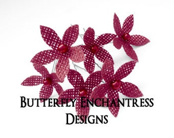 Rustic Bridal Hair Flowers, Red Wedding, Flower Hair Accessory, Bridesmaid Headpiece Favor Gift - 6 Crimson Burlap Stephanotis Hair Pins