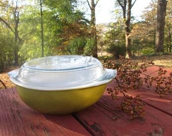 Vintage Pyrex Casserole Dish - Two Quart Verde Green - Round Lidded Casserole