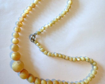 Raw Mother of Pearl Necklace Graduated Beads Vintage 50s *