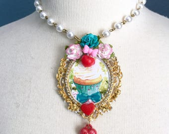 Shabby Chic Cupcake Cameo Necklace