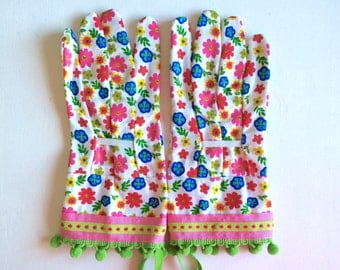 Designer Garden Gloves - As seen in Better Homes and Gardens DIY Magazine and Mother Earth Living Magazine - Flowers and Pom Poms