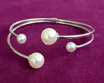 Dara Ettinger Silver Plated Pearl open bangle Bracelet