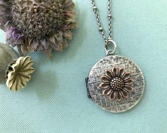 Boho Daisy Locket, Woodland Locket, Floral Necklace, Wild Flower, Keepsake Locket, Bohemian, Silver Locket, Woodland Flower, Gifts for Her