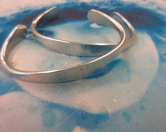 Sterling Silver Ox Plated Brass Bangle Larger Wrist Bracelet with Tapered ID Blank 2069SOX x1