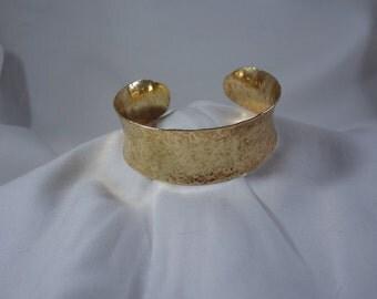 Concave Hammered Brass Cuff Bracelet (CCB244)