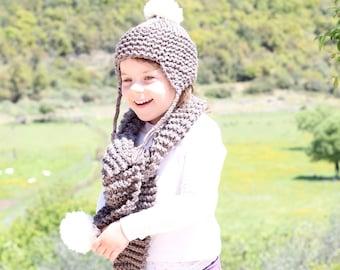 Kids hat and scarf, brown, pom pom beanie, pom pom scarf, knitted scarf, toddler scarf, kids scarf, pom pom hat, winter hat, winter scarf
