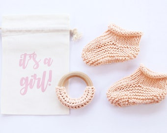 Baby slippers, baby girl, baby reveal, baby announcement, newborn booties, pregnancy reveal, pregnancy announce, new baby, grandparents