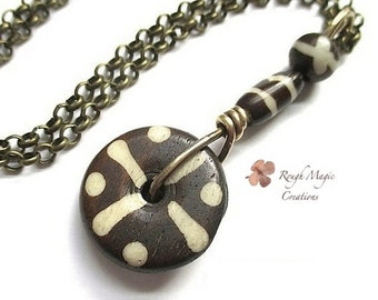 Boho Tribal Pendant Necklace, Brown Ethnic African Bone Beads, Unisex Jewelry for Men, Gift for Women, Adjustable Chain, Bronze Brass N299
