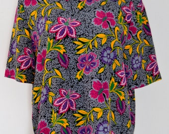 Pretty Print Silky Top -FREE INTERNATIONAL SHIPPING- Medium-Large