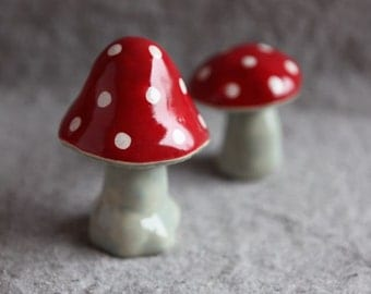Ceramic Mushrooms Toadstools in Stoneware with red and white spots