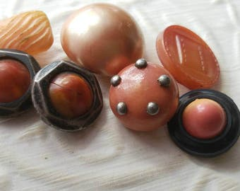 Vintage Buttons -Mid Century Modern mix of celluloid lot of 7 with some metal accents  and old and sweet( mar 293 17)