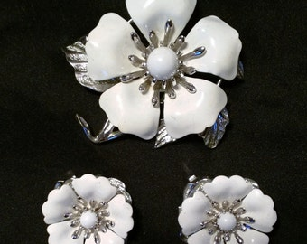 Vintage Sarah Coventry Summer Magic Flower Set Brooch & Earrings