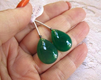 Green Onyx  Briolette Beads,  Matched Pair 15mm x 20mm , Lovely Emerald Green Gemstone