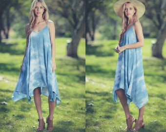 The Best Summer Dress in Blue or Mauve