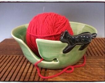 Yarn Bowl with Black Cat in True Green by misunrie