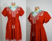 Frida Rojo Womans Red Cotton Mexicali Embroidered Tunic Mini Dress w/ White Stitching Waist Drawstring Empire Waist Med Large 32-36 Waist