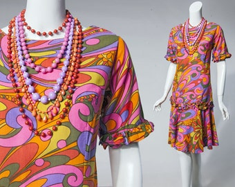 60s colorful psychedelic print shift dress with ruffle trim | size small