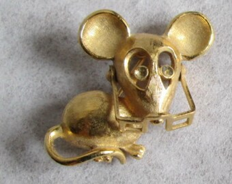 Vintage Avon Mouse Pin Brooch with Movable Spectacles